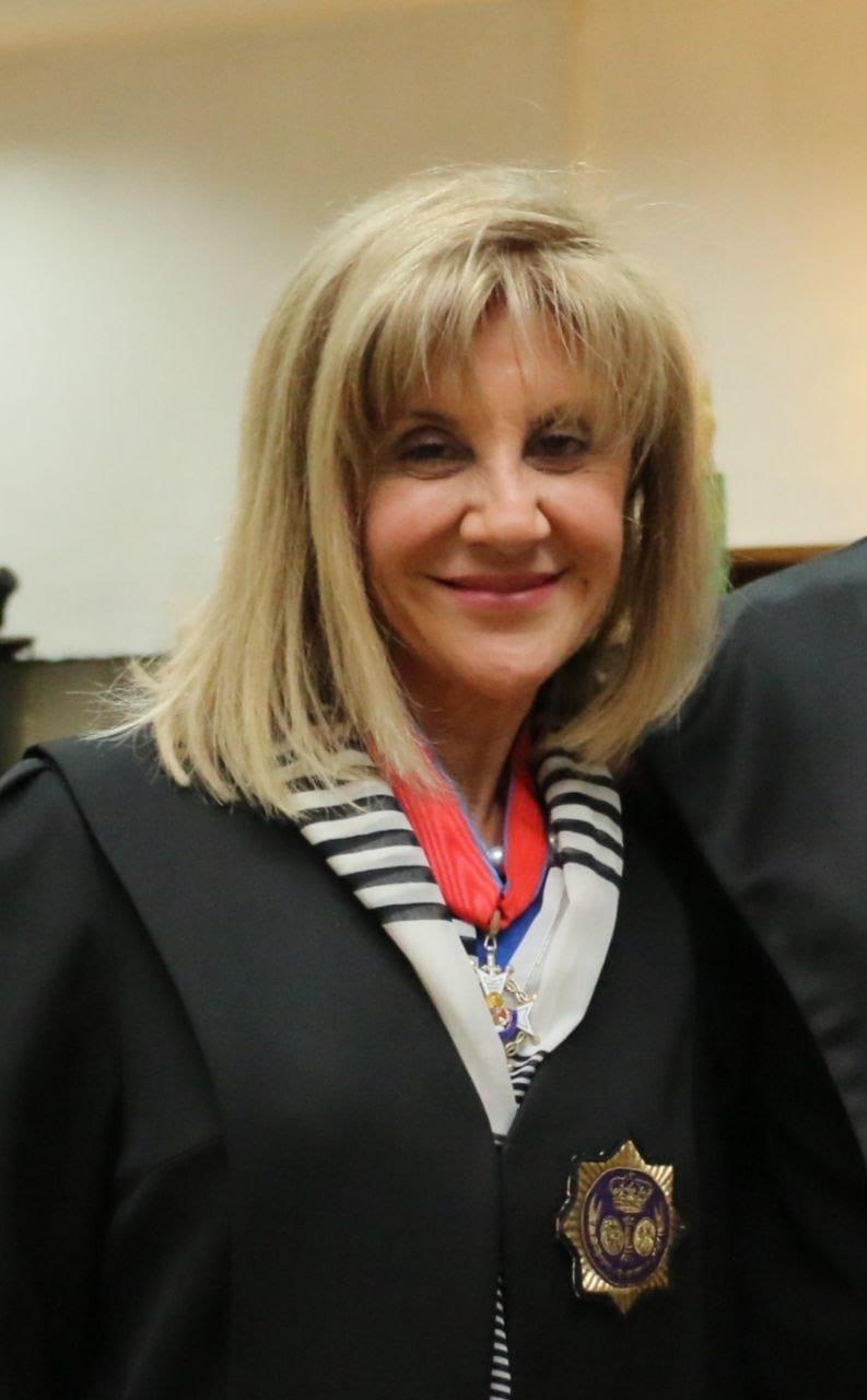 JUBILACIÓN DE VICTORIA ALICIA ALFÉREZ DE LAROSA